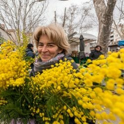 Croatia photo tour David Tejada woman flowers